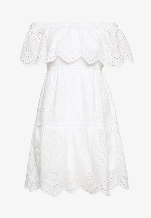 VISABELLA OFFSHOULDER DRESS - Denní šaty - snow white