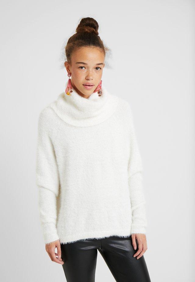 VIALINJA - Stickad tröja - white alyssum