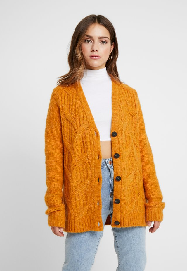 VISEVEN CARDIGAN - Cardigan - golden oak