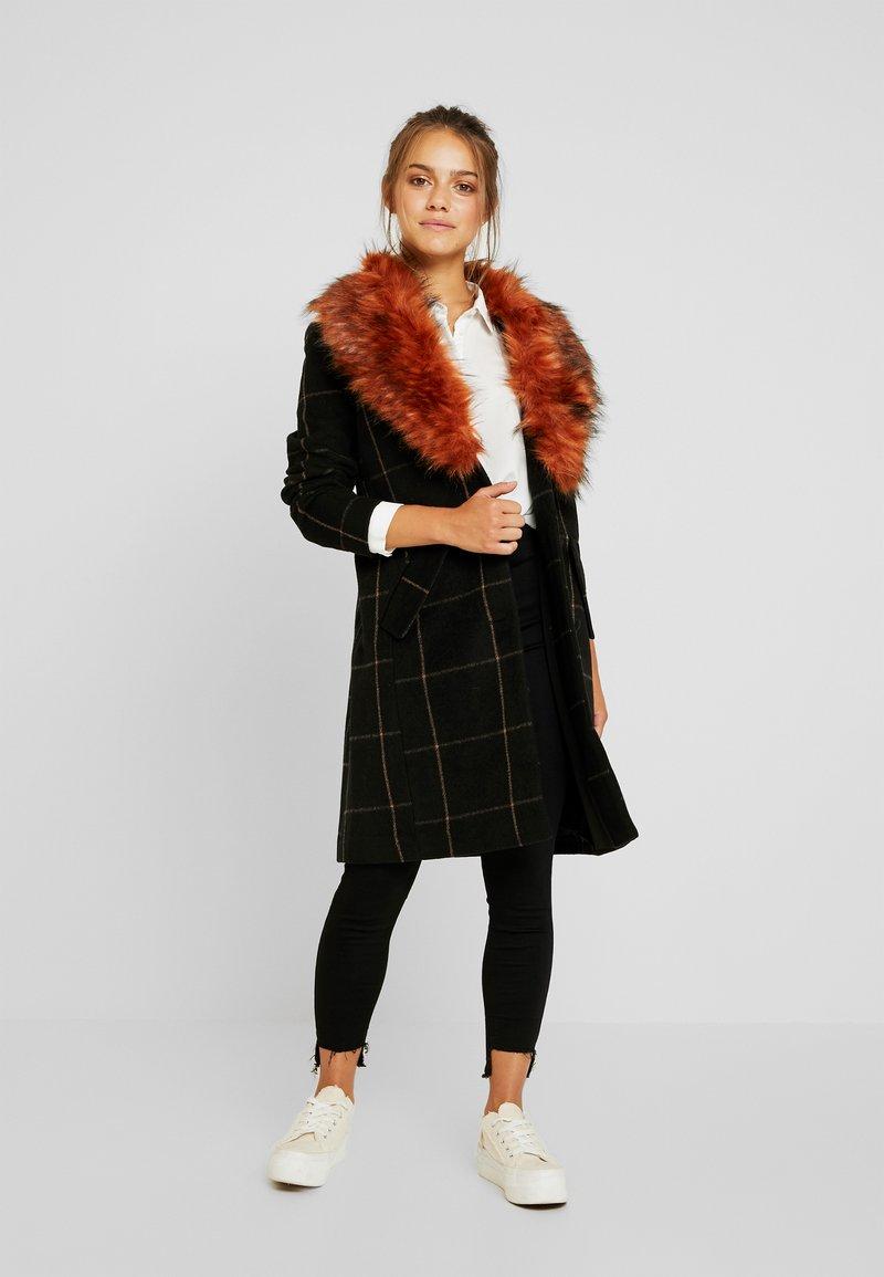 VILA PETITE - VIFOXIA WOOL COAT - Short coat - black/golden oak