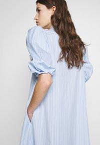 Vivetta - DRESS - Skjortekjole - rigato fondo azzurro/bianco - 4