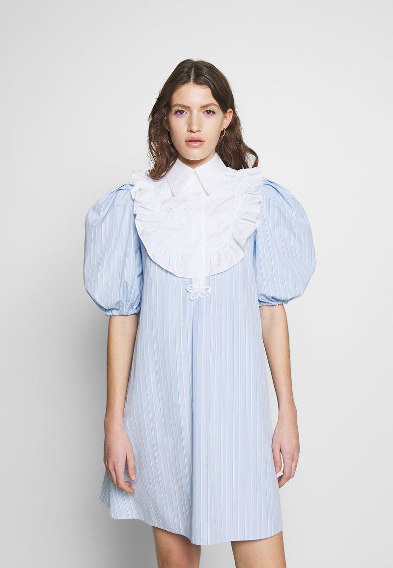Vivetta - DRESS - Skjortekjole - rigato fondo azzurro/bianco