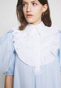 Vivetta - DRESS - Skjortekjole - rigato fondo azzurro/bianco - 6