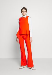 Victoria Victoria Beckham - DRAPE DETAIL SHELL - Blouse - flame red - 1