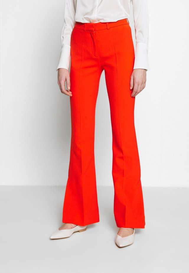 SPLIT HEM VICTORIA TROUSER - Broek - flame red