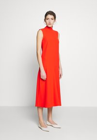 Victoria Victoria Beckham - SLEEVELESS DRESS - Vestido informal - flame red - 1