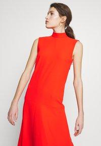 Victoria Victoria Beckham - SLEEVELESS DRESS - Vestido informal - flame red - 3