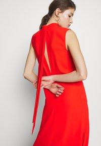 Victoria Victoria Beckham - SLEEVELESS DRESS - Denní šaty - flame red - 4