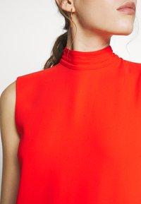 Victoria Victoria Beckham - SLEEVELESS DRESS - Vestido informal - flame red - 7