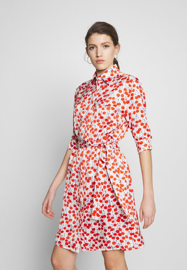 CHERRY PRINT SHIRT DRESS - Blousejurk - white