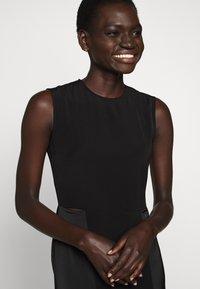 Victoria Victoria Beckham - SLIT DETAIL DRESS - Denní šaty - black - 10