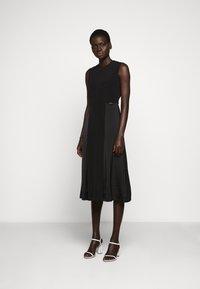 Victoria Victoria Beckham - SLIT DETAIL DRESS - Denní šaty - black - 0