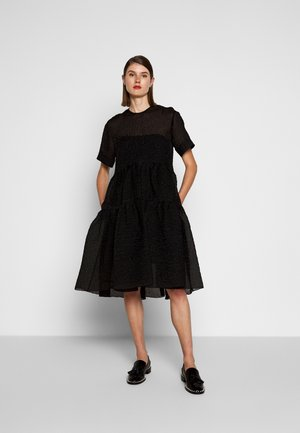 EXAGERATED DRESS - Cocktail dress / Party dress - black