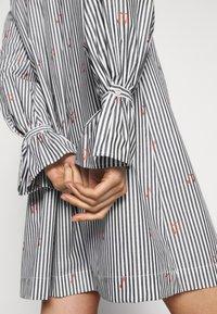 Victoria Victoria Beckham - TIE NECK DRESS - Denní šaty - grey - 7