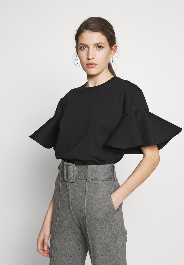 FLOUNCE SLEEVE - T-shirt z nadrukiem - black