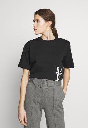 RAISED LOGO - T-shirt z nadrukiem - black