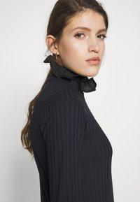 Victoria Victoria Beckham - RUFFLE TURTLENECK - Longsleeve - midnight blue - 4