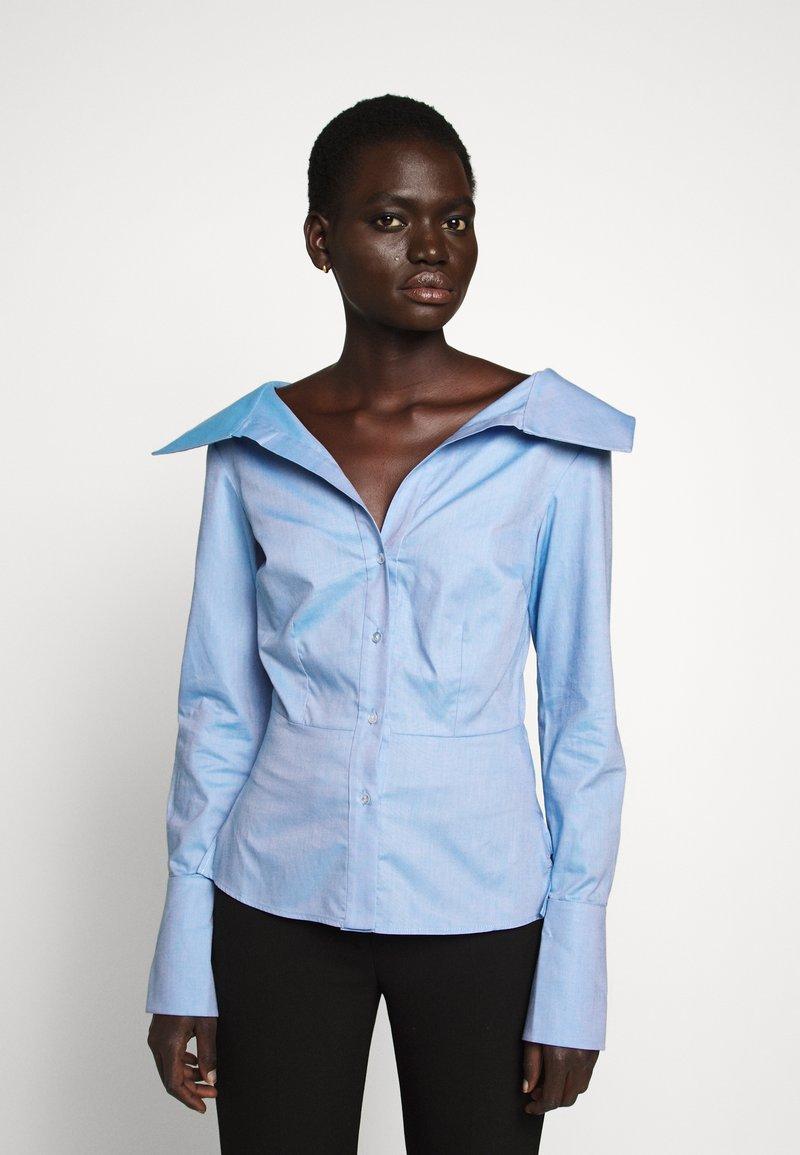 Victoria Victoria Beckham - OFF SHOULDER SHIRT - Skjorta - pool blue