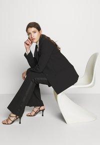 Victoria Victoria Beckham - TUXEDO JACKET - Krátký kabát - black - 6