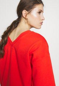 Victoria Victoria Beckham - HERITAGE - Mikina - flame red - 4