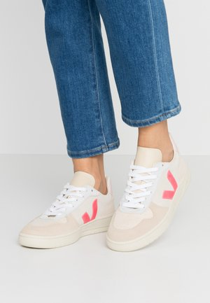 V-10 - Sneakers laag - multicolor/natural/rose fluo