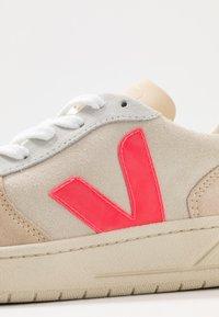 Veja - V-10 - Trainers - multicolor/natural/rose fluo - 2