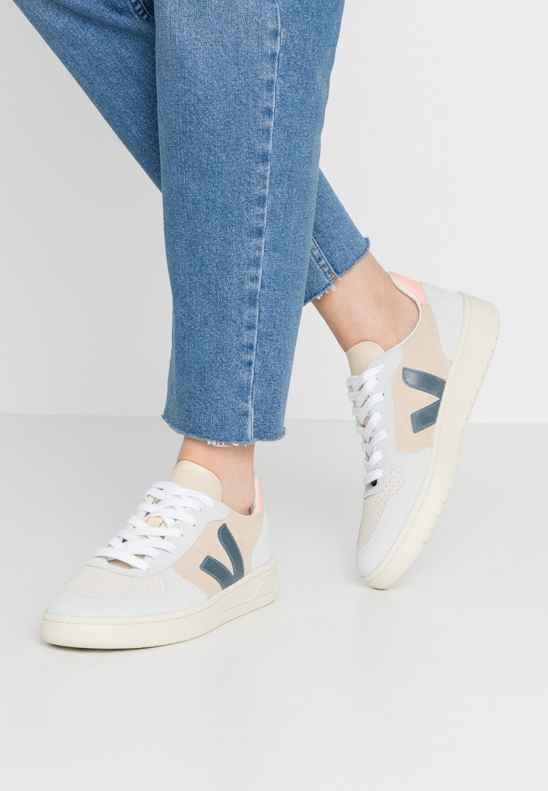 Veja - V-10 - Sneakers laag - multicolor/almond/california