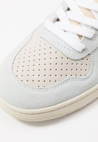 Veja - V-10 - Sneakers laag - multicolor/almond/california - 2
