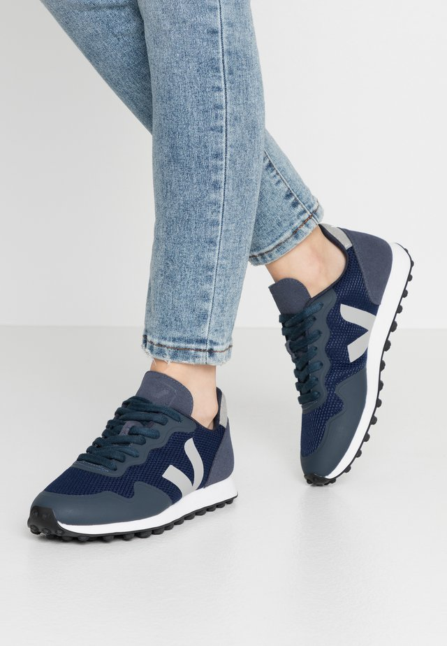 Trainers - nautico/oxford grey