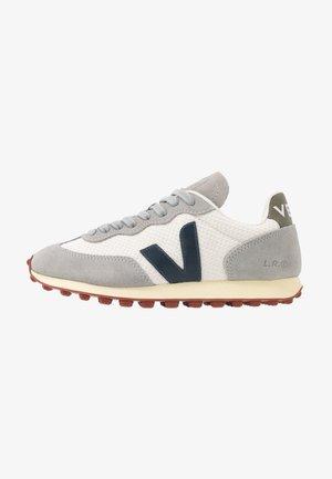 RIO BRANCO - Sneakers - gravel/nautico/butter