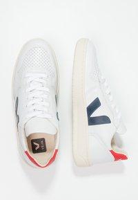 Veja - V-10 - Sneakers basse - extra white/nautico pekin - 2