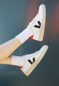 Veja - V-10 - Matalavartiset tennarit - extra white/nautico pekin - 3