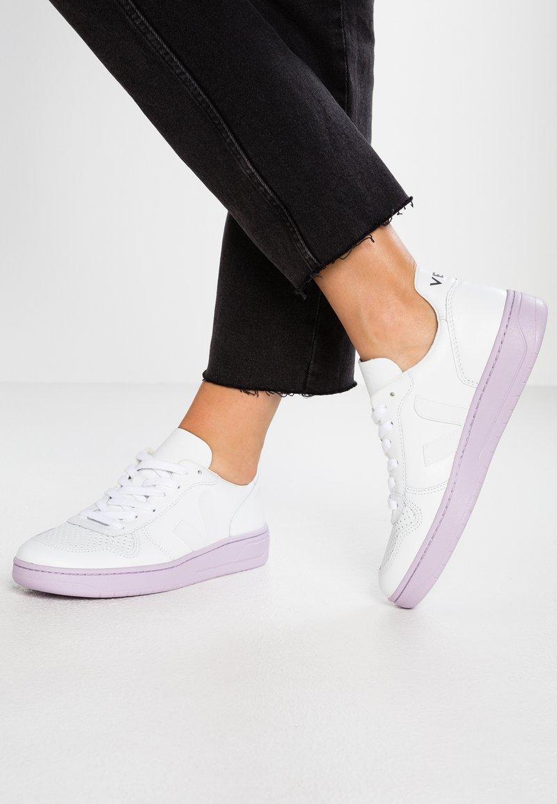 Veja - V-10 - Sneaker low - extra white/lilas