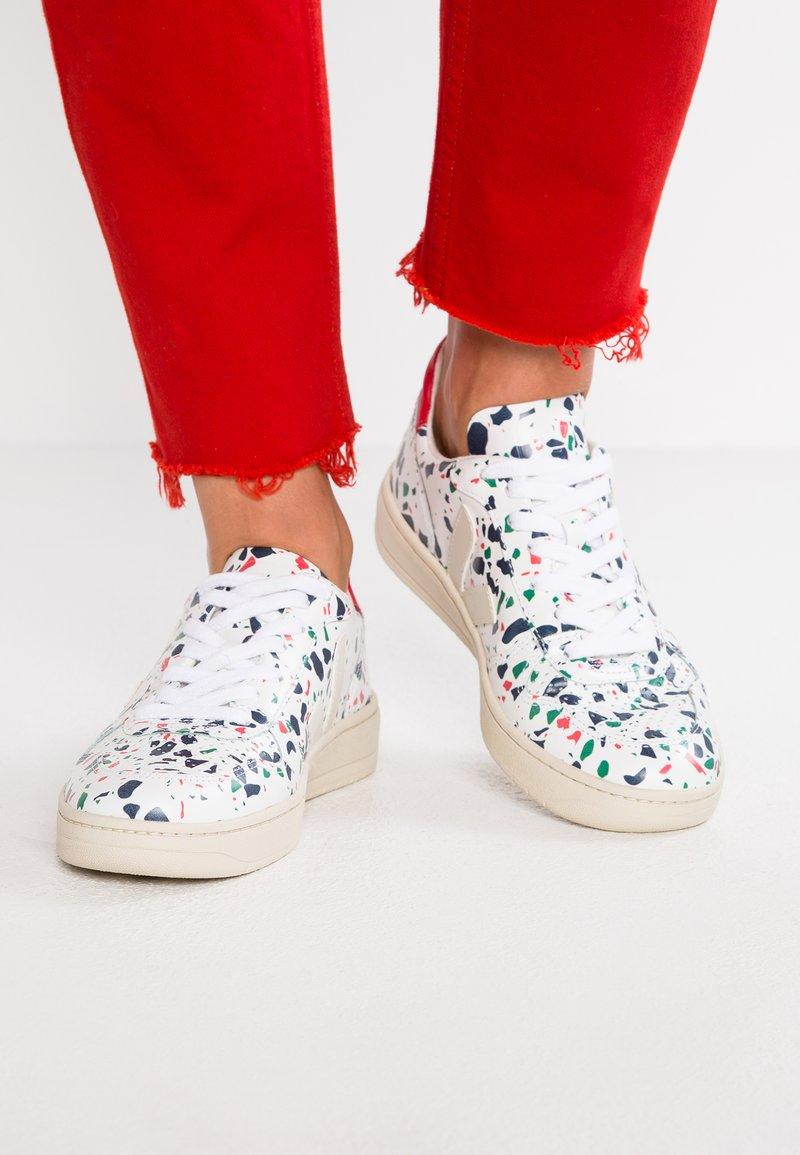 Veja - V-10 - Sneaker low - terrazzo pierre pékin