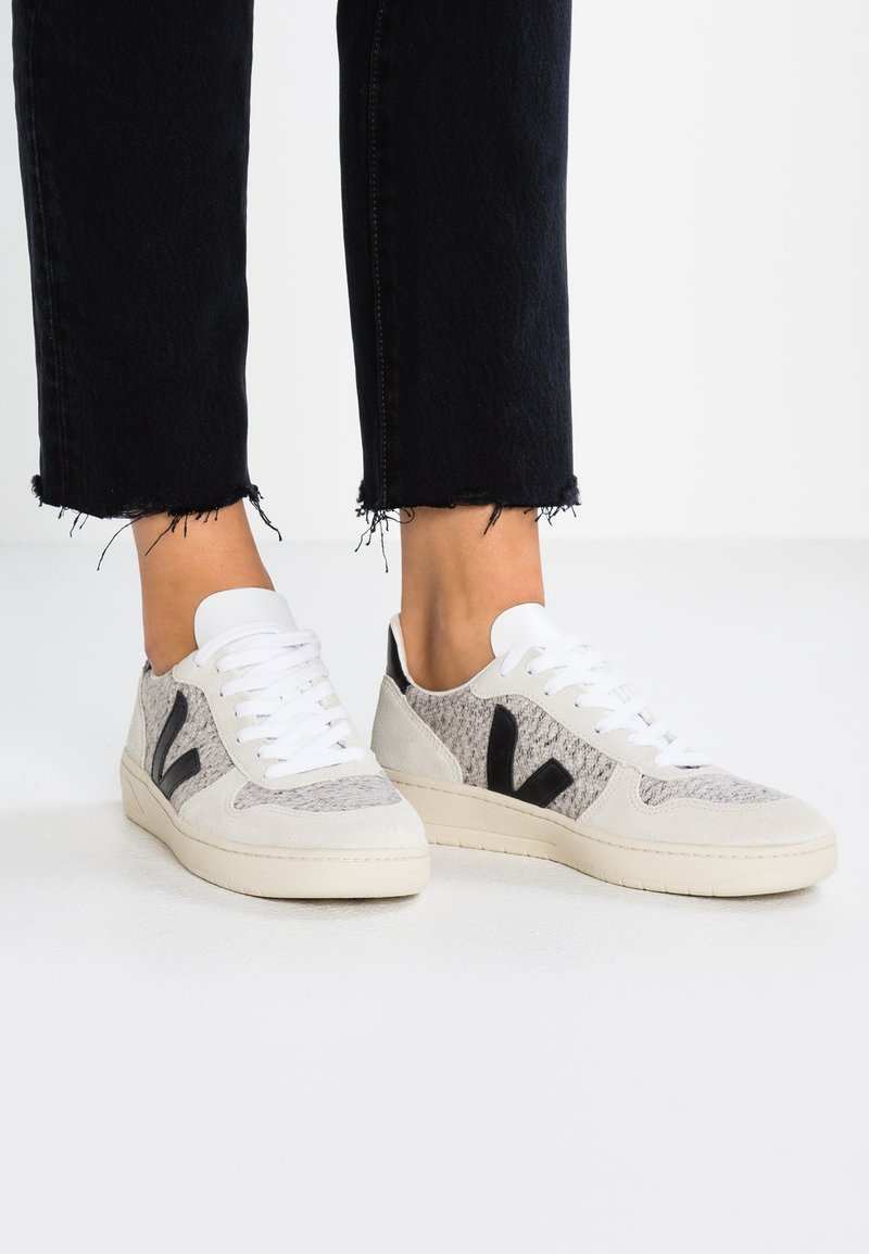 Veja - V-10 - Trainers - snow natural/black