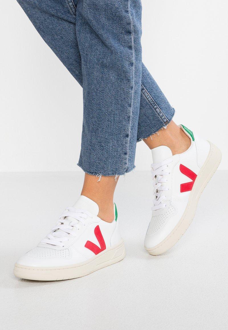 Veja - V-10 - Sneaker low - extra white/pekin/emeraude