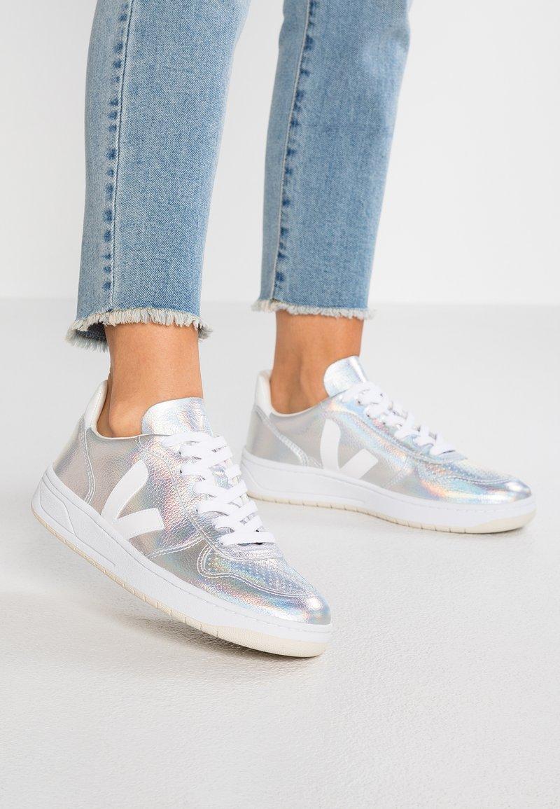 Veja - V-10 - Sneaker low - unicorn white