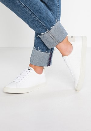 ESPLAR - Sneakersy niskie - extra white