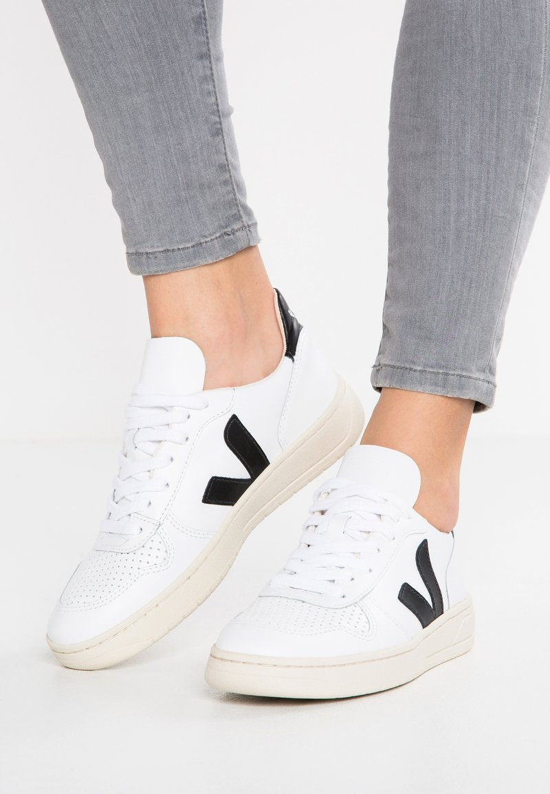 Veja - V-10 - Sneaker low - extra white/black