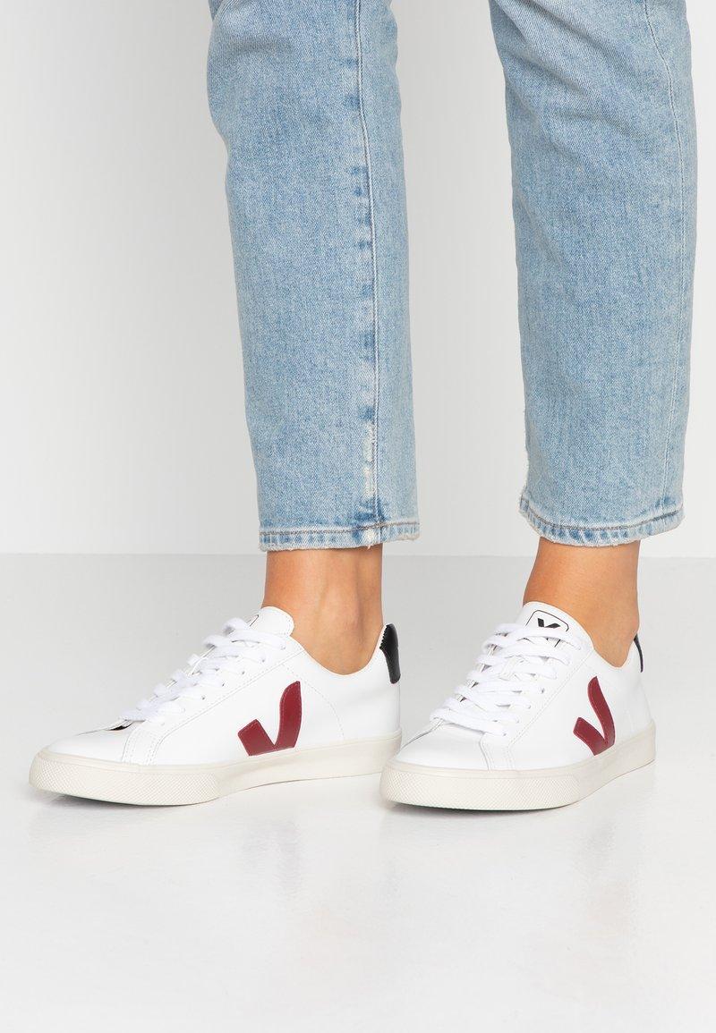 Veja - ESPLAR - Sneakers laag - extra white/marsala/black