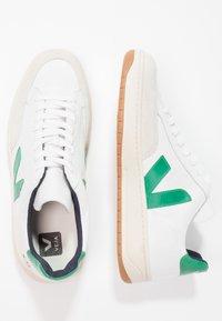 Veja - V-12  - Sneakers laag - white/emeraude - 1
