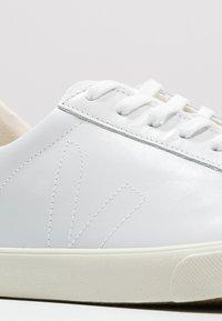 Veja - ESPLAR - Matalavartiset tennarit - extra white - 5