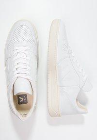 Veja - V-10 - Sneakers laag - white - 1