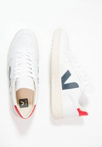 Veja - V-10 - Sneakers - extra white/nautico pekin - 1
