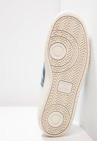 Veja - V-10 - Sneakers - extra white/nautico pekin - 4