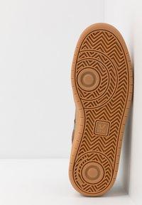 Veja - RORAIMA - Vysoké tenisky - brown/black - 4
