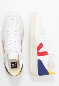 Veja - V-10 - Sneakers laag - extra white/pekin/cobalt/gold yellow - 1