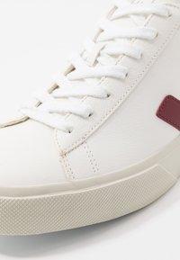 Veja - CAMPO - Sneakers laag - white/marsala - 5