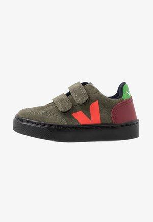 V-12 - Sneakers laag - olive/multicolor/black