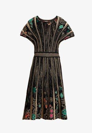 DRESS PATTERN - Robe pull - black